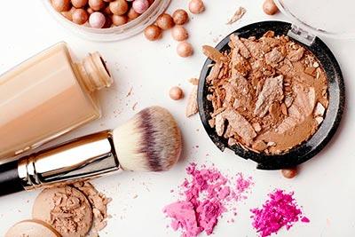 produits de maquillage et cosmétiques beauté